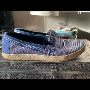 Well worn Toms Avalons